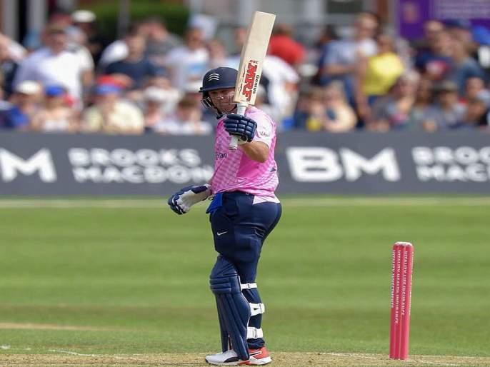 Video: AB de Villiers hits 88 runs in 35 balls   Video: एबी डिव्हिलियर्सची तुफान फटकेबाजी; चोपल्या 35 चेंडूत 88 धावा