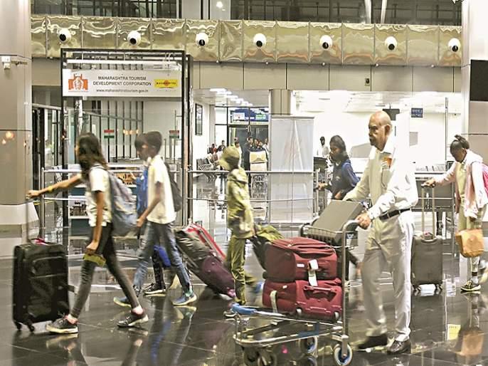 Air India's Mumbai-Aurangabad flight delayed by five-and-a-half hours; Airline passengers are disappointed | एअर इंडियाच्या मुंबई-औरंगाबाद विमानाला साडेपाच तास विलंब; विमानातील प्रवाशांना मनस्ताप
