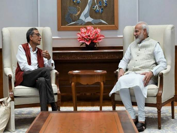 Pm Modi Cautioned me About Media Trapping For Anit Modi Comments says Nobel Laureate Abhijit Banerjee | माध्यमांच्या 'त्या' प्रश्नांपासून सावध राहा; मोदींचा नोबेल विजेत्या अभिजीत बॅनर्जींना सल्ला