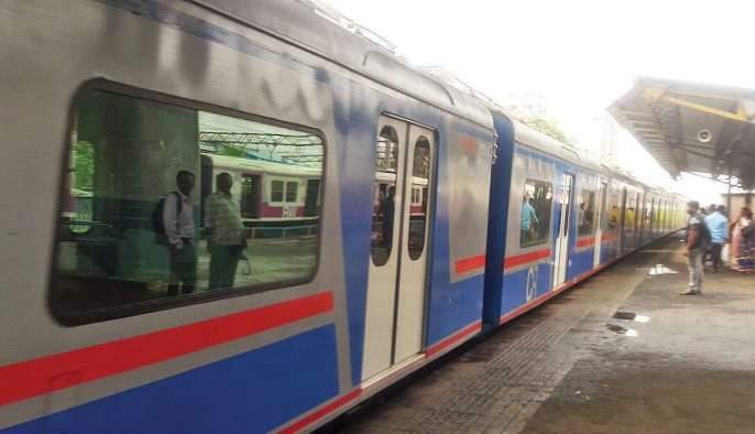 Tickets for AC local trains today; The sculler can be used for the passengers | आजपासून एसी लोकलचे तिकीट महागले; प्रवाशांच्या खिशाला बसणार कात्री