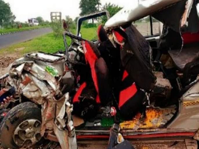 Three died and 6 seriously injured in Madhya Pradesh accident | लामजनाच्या भाविकांवर मध्य प्रदेशात काळाचा घाला, तिघांचा मृत्यू