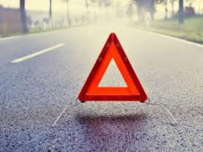 women death in Tempo accident | टेम्पोच्या धडकेत दुचाकीस्वार महिलेचा मृत्यू