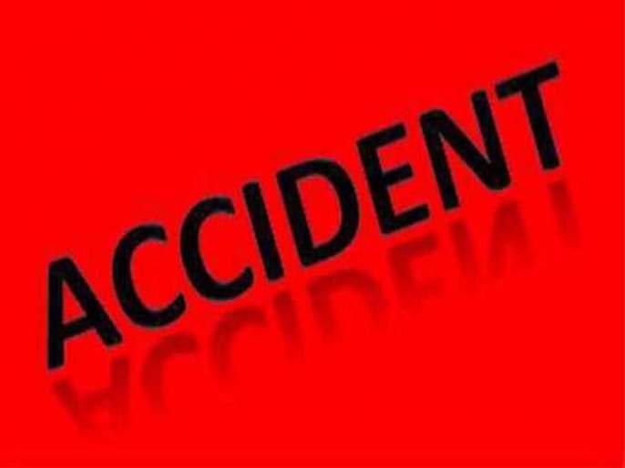 One died and two injured in accident on highway | मुंबई- पुणे द्रुतगती महामार्गावर अपघातात एक ठार, दोघे जखमी