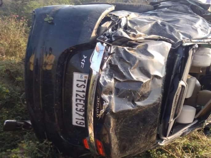 car accident Nagpur towards Hyderabad | नागपूरवरून हैदराबादकडे निघालेल्या कारचा भीषण अपघात