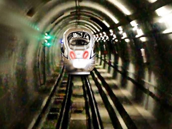 Electricity with water pressure passes metro | पाण्याच्या दाबासह विजेच्या परीक्षेत उत्तीर्ण होतेय मेट्रो