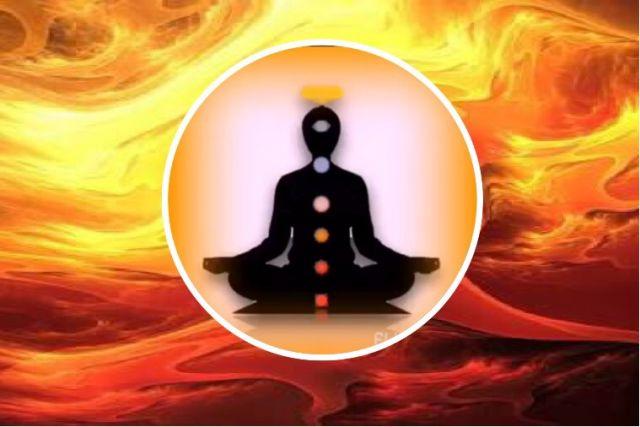 Engaged in Bhagavad-gita contemplation, the result of true hearing ...!   आत्म्याच्या संकल्पनेपूर्वी तत्त्वज्ञान हेच आध्यात्मिक