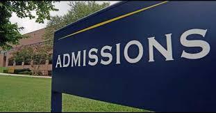 Colleges cutoff list for FYJC News | नामांकित महाविद्यालयांच्या कला, वाणिज्यच्या कटआॅफमध्ये किंचित घसरण