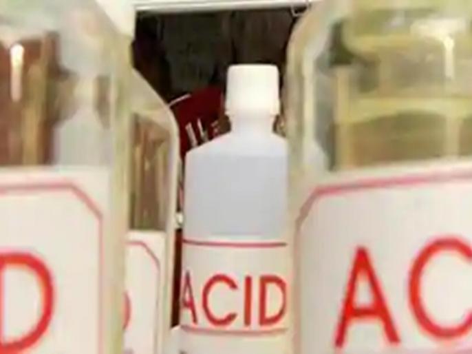 Shocking! The young woman was attacked by acid and burned with petrol, dying during treatment   धक्कादायक ! तरुणीवर ॲसिड हल्ला करुन पेट्रोलने जाळले, उपचारादरम्यान मृत्यू