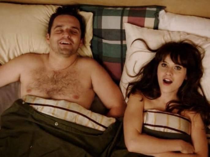 Sex Life : Which time day best get intimate or have sex api | लैंगिक जीवन : ...म्हणून दुपारची वेळ ठरते सर्वात बेस्ट, वाचा एक्सपर्टचं मत...
