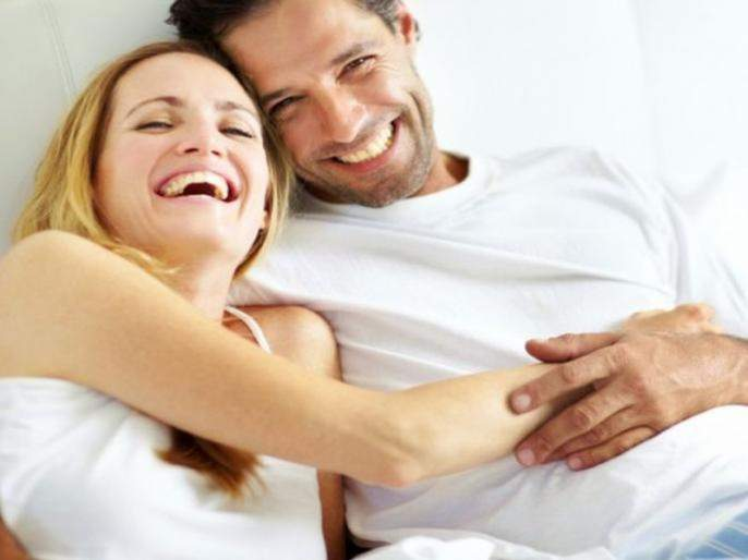 Know from the expert which time of the day is best to get intimate or have sex | शारीरिक संबंधासाठी दुपारची कोणती वेळ योग्य, एक्सपर्ट काय सांगतात?