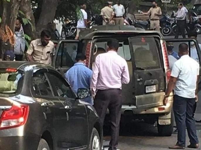 Scorpio theft parked outside Ambani's residence; Fraud under flyover revealed | अंबानींच्या निवासस्थानाबाहेर पार्क केलेली स्कॉर्पिओ चोरीची; उड्डाणपुलाखालून पळविल्याचे उघड
