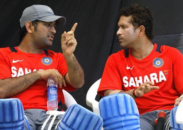What Sachin tendulkar-sunil Gavaskar and ms Dhoni-virat Kohli did not get was done by marathi bowler in batting... | जे सचिन-गावस्कर, धोनी-कोहली यांनाही जमलं नाही ते मराठमोळ्या गोलंदाजाने फलंदाजीत करून दाखवलं...