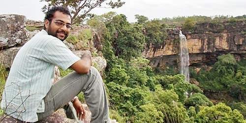 Meet the young man from Nashik, Aakash Badawe, working in Chhattisgarh, looking for definition of sustainable development! | भेटा छत्तीसगडमध्ये काम करणारा नाशिकचा तरुण, जेव्हा विकासाची व्याख्या शोधतो!