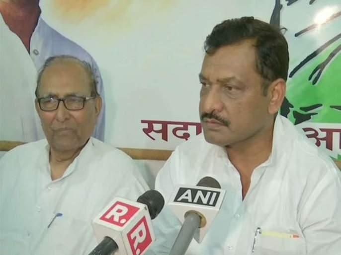 politics will be done on surgical strike to divert attention from real issues - Akhilesh Singh, Congress leader | निवडणुका आल्या की सर्जिकल स्ट्राइक करायची हा तर मोदी सरकारचा पॅटर्न, कॉग्रेस नेत्याची टीका