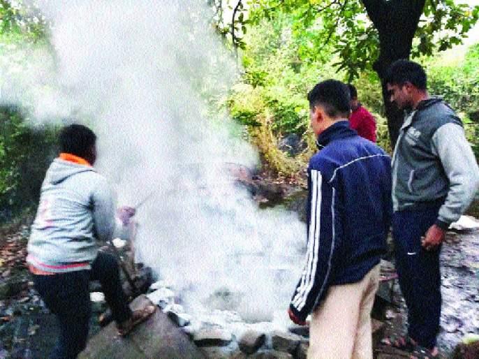 Liquor seized; one arrested; SAVA Lakhana Literature   दारूचे साहित्य जप्त, एकास अटक; सव्वा लाखाचे साहित्य