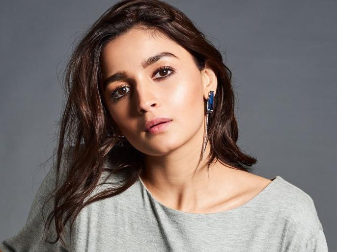 Sanjayleela bhansali ki film me gangu bai banengi alia bhatt | संजय लीला भन्साळींच्या 'इंशाअल्लाह'त नाही तर या सिनेमात झाली आलियाची एंट्री!