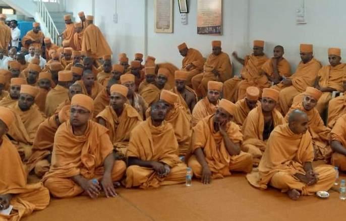 2 saints of Swaminarayan sect in Amalner today | स्वामिनारायण संप्रदायाचे १५० संत आज अमळनेरात