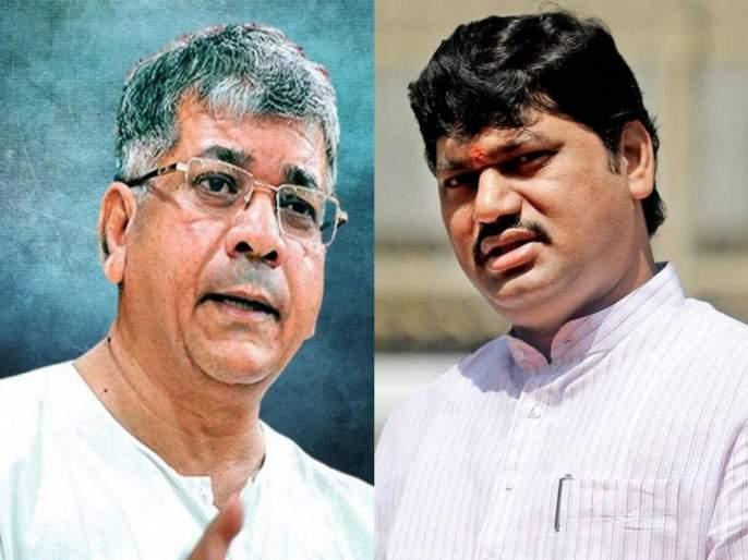 """This is a right time!"" Prakash Ambedkar's big statement on Dhananjay Munde case | ""धिस ईज अ राईट टाईम!"" प्रकाश आंबेडकरांचे धनंजय मुंडे प्रकरणावर मोठं विधान"