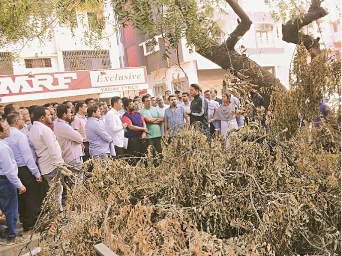 Will you know only after suspension ?; Inspection of Municipal Commissioner of Aurangabad   निलंबन केल्यानंतरच कळणार का?; मनपा आयुक्तांची अधिकाऱ्यांना तंबी