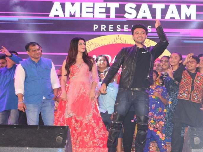 Ayush Sharma and Warina Hussain held the rhythm in Garba | आयुष शर्मा आणि वरीना हुसेनने धरला गरब्यामध्ये ताल