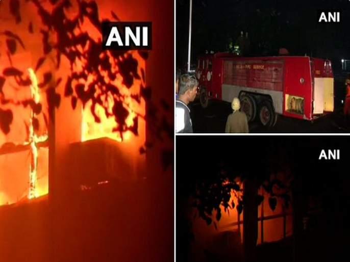 A fire has broken out on first and second floor at AIIMS Hospital | AIMS Hospital Fire: जेटलींवर उपचार सुरु असणाऱ्या दिल्लीतील एम्स हॉस्पिटलमध्ये लागली आग