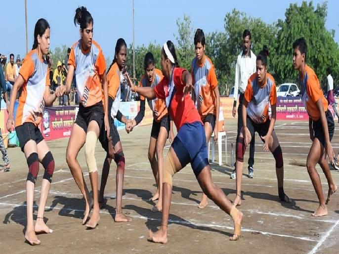 Mumbai, Nagpur, SNDT Bharati University Kabaddi teams earn two points each in west zone inter university event   मुंबई, नागपूर, एसएनडीटी भारती विद्यापीठ कबड्डी संघांची प्रत्येकी दोन गुणांची कमाई
