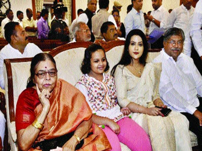 Maharashtra Election, Maharashtra CM: The state will go further, stability will surely come - Amrita Fadnavis believes | Maharashtra CM: राज्य अधिक प्रगतिपथावर जाईल, स्थैर्य नक्कीच मिळेल, अमृता फडणवीस यांचा विश्वास