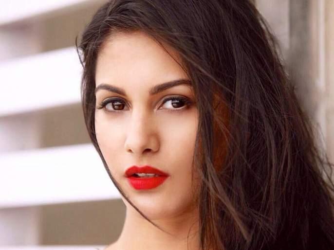 #MeToo: amyra dastur shares experience bollywood and south film industry | #MeToo : अमायरा दस्तूर म्हणते, पुरूष-महिला दोघांनीही केले शोषण; पण नाव घेण्याची हिंमत नाही!!