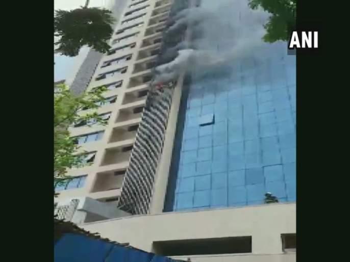 Fire on the sixth floor of the Peninsula building in andheri west | अंधेरी पश्चिममधील पेनिन्सुला इमारतीच्या सहाव्या मजल्यावर आग