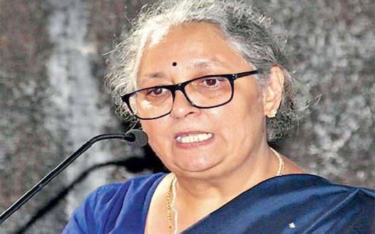Women should do great work: Anjali Ambedkar | उत्कृष्ट काम करणाºया महिलांनी राजकारणात यावं : अंजली आंबेडकर