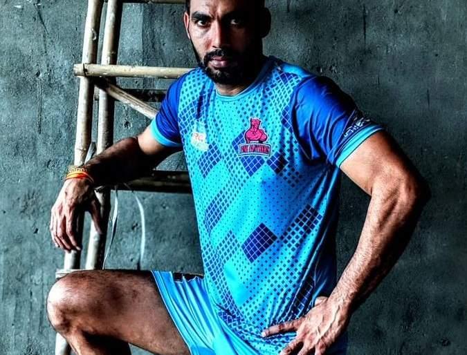 Captain Cool gets sudden retirement from Kabaddi | 'कॅप्टन कूल'ने घेतली कबड्डीमधून अचानक निवृत्ती