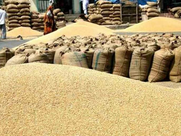 Nafed's troubling conditions are a headache for farmers | नाफेडच्या जाचक अटी शेतकऱ्यांसाठी डोकेदुखी