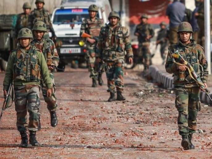 two security personnel martyred in terrorist attack in jammu kashmir khushipora | श्रीनगरमध्ये सुरक्षा दलाच्या ताफ्यावर दहशतवादी हल्ला; २ जवानांना वीरमरण