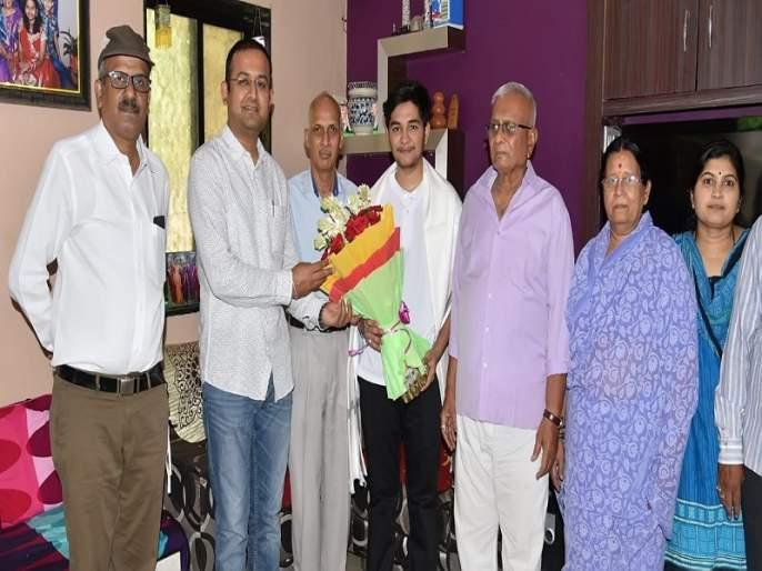 Prize of Rs 2.5 lakh for the dedication of 'Sanjeevani'; Troubleshooting the company's websites | 'संजीवनी'च्या अर्पितला सव्वा दोन लाखाचे बक्षिस; कंपन्याच्या वेबसाईट्सचे केले दोष निवारण