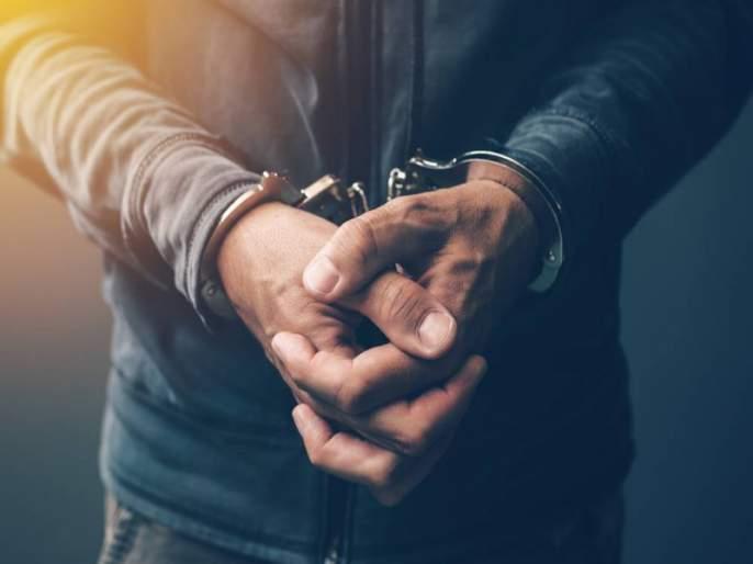 Two accused were arrested with a weapon and Pistols   शत्रूचा वचपा काढण्यासाठी हत्यारासह थांबलेले दोन जणांना बेड्या; पिस्तूल व कोयते जप्त