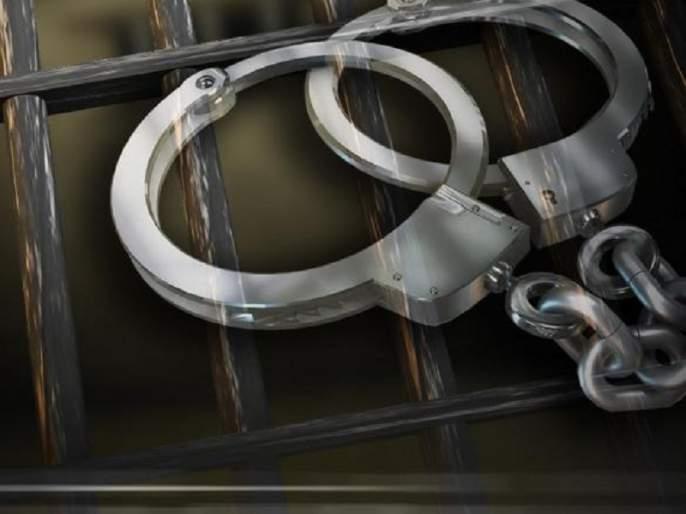 Two sand mafia's arrested due to surveillance on Tahsildar's house at Beed | तहसीलदारांच्या घरांवर पाळत ठेवणारे दोघे वाळू माफिया अटक