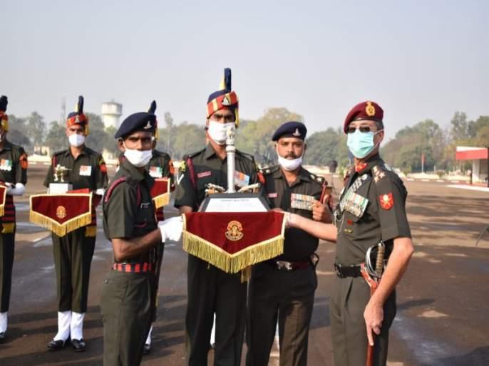 Artillery Centre's swearing in ceremony: 302 new soldiers in national service   तोफखाना केंद्राचा शपथविधी : ३०२ नवसैनिकांची तुकडी देशसेवेत दाखल