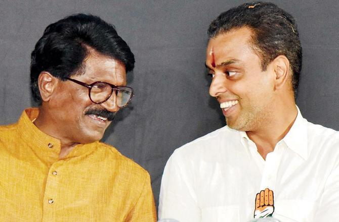 Competition in Shiv Sena & Congress for South Mumbai for Marathi votes | मराठी मतांसाठी दक्षिण मुंबईत रस्सीखेच