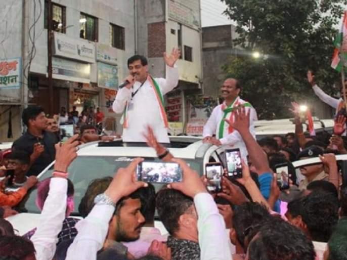 ashok chavan wins in Bhokar with voters huge supportin vidhan sabha election | लोकसभेत पिछाडी, विधानसभेत मताधिक्य; भोकरच्या मतदारांनी 'अशोकपर्व'ला स्वीकारले