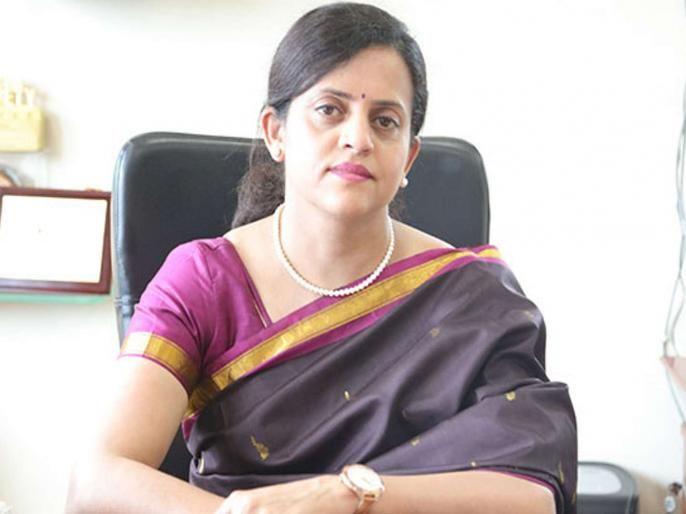 ashwini bhide removed from the managing director post of Metro rail corporation | कारशेड प्रकरण भोवलं? अश्विनी भिडेंना मेट्रो-3 च्या प्रकल्पावरुन हटवलं