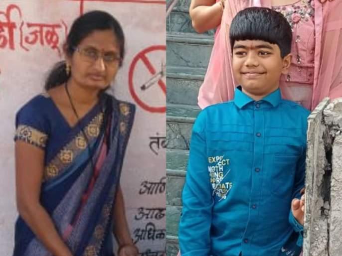 Teacher and son killed on the spot Incident in Jalgaon   दुचाकी खडीवर घसरल्याने शिक्षिका व मुलगा जागीच ठार; जळगावमधील घटना