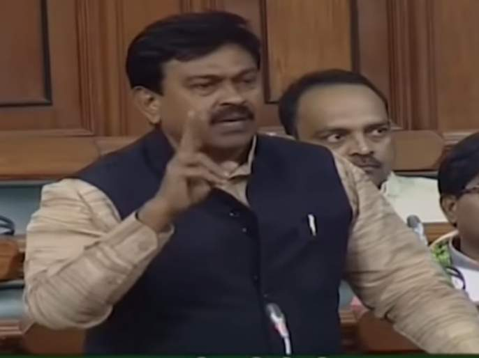 Farmers will be compensated, fearful; BJP MP to Bajaj | शेतकऱ्यांचं 10 हजार कोटींचं देणं बाकी आहे, मग भीती तर वाटणारच; भाजपा खासदाराचा राहुल बजाजना टोला