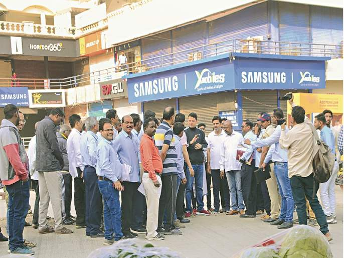 demolit the properties who opposing tax ; Aurangabad Municipality Commissioner's warning to property holders | विरोध करणाऱ्यांच्या मालमत्तांना जेसीबी लावा; मालमत्ता धारकांना आयुक्तांचा इशारा
