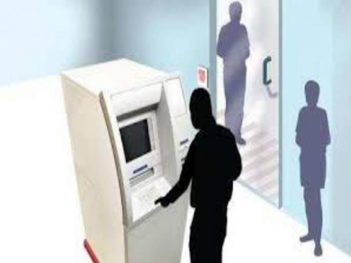 Cyber police have arrsted the accused who theft money of many people by putting a skimmer in the ATM machine | एटीएम मशिनमध्ये स्किमर लावून अनेकांचे पैसे हडपणाऱ्या आरोपींना सायबर पोलिसांनी ठोकल्या बेड्या