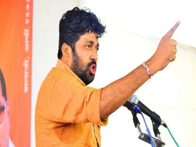 Vidhan sabha 2019: Independent MLA Bachchu kadu came on Matoshree; meet Uddhav Thackray | Breaking : अपक्ष आमदार बच्चू कडू मातोश्रीवर; चर्चांना उधाण