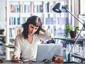 Corona effect makes women leaving thier jobs. But Why?   कोरोना बायकांच्या नोक-यांच्या मूळावर का उठलाय? का सोडताहेत बायका नोक-या?