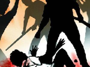 Injured third parties in Jalgaon Taptiganga Express | जळगावात ताप्तीगंगा एक्स्प्रेसमध्ये तृतीयपंथीयांना मारहाण