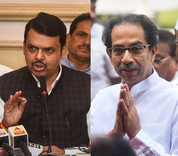 Devendra Fadnavis criticizes Uddhav Thackeray's government on farmer loan wave off issue pnm | ...तर साधारण ४६० महिने लागतील; देवेंद्र फडणवीस यांची उद्धव ठाकरे सरकारवर टीका