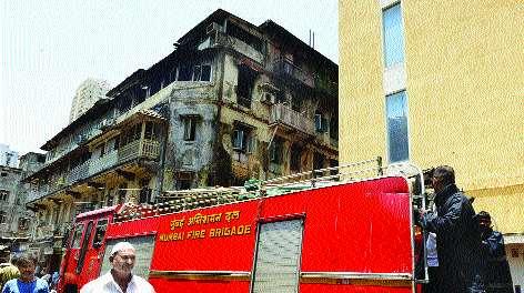 Two senior women died due to a fire in 'Punjab Mahal' | 'पंजाब महाल'ला लागलेल्या आगीत दोन ज्येष्ठ महिलांचा गुदमरून मृत्यू