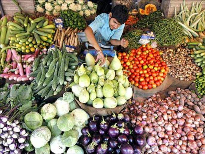 Vegetable to be available in the 68 places of city by Pune Municipal Corporation   पुणे महापालिका शहरात ६८ ठिकाणी करून देणार भाजीपाला उपलब्ध